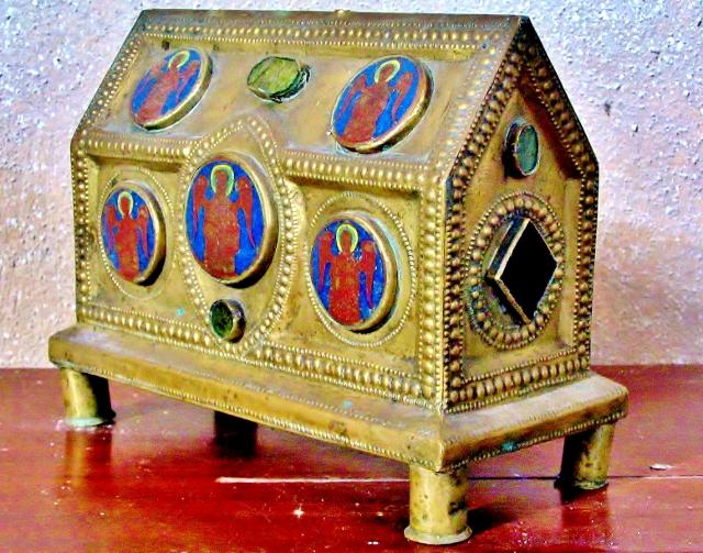 1 Saintes Reliques