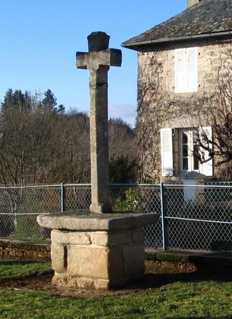 croix de la place de l'église