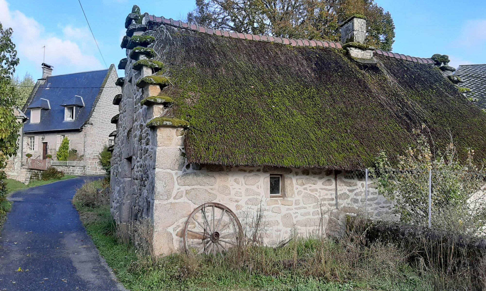 maison typique de Corrèze avec pignons à redans