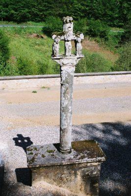 croix du cimetière de Bar